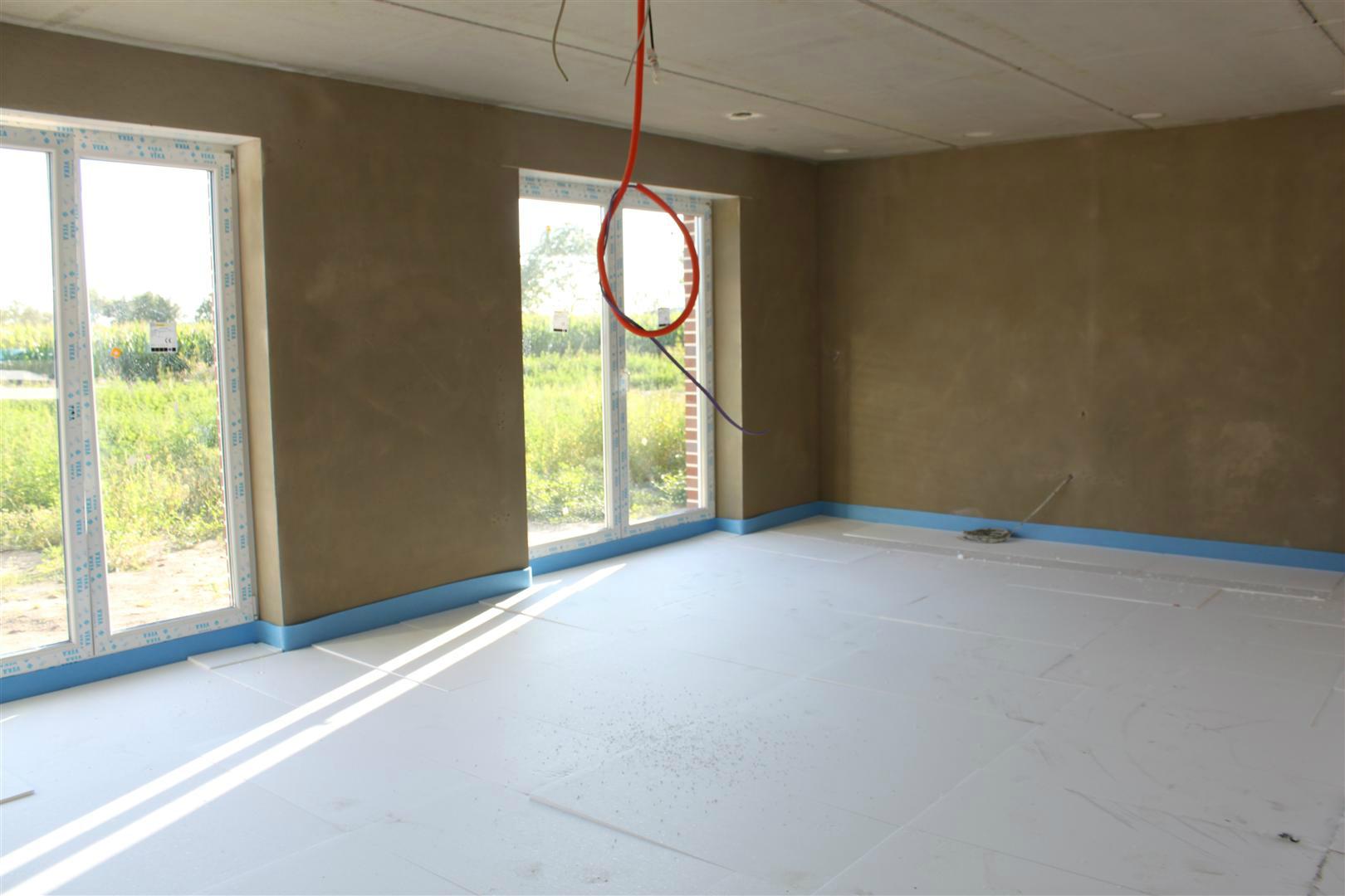 estrich in der garage und dachbodenarbeiten hausbau blog. Black Bedroom Furniture Sets. Home Design Ideas